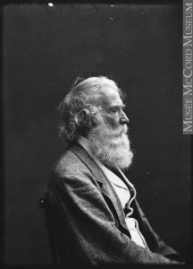 Sir William E. Logan (1798-1875), le célèbre géologue en 1871, alors qu'il résidait à la villa Rockfield, après la mort de son frère James. Photographe : W. Notman, Musée McCord I-66520.