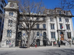 419-427 et 429, avenue Viger, ancienne maisons bourgeoises du square Viger. Bernard Vallée, 2015.