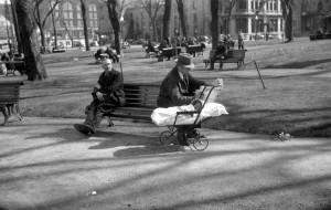 Le square Viger en 1937. Conrad Poirier, BAnQ, 06M_P48S1P01646