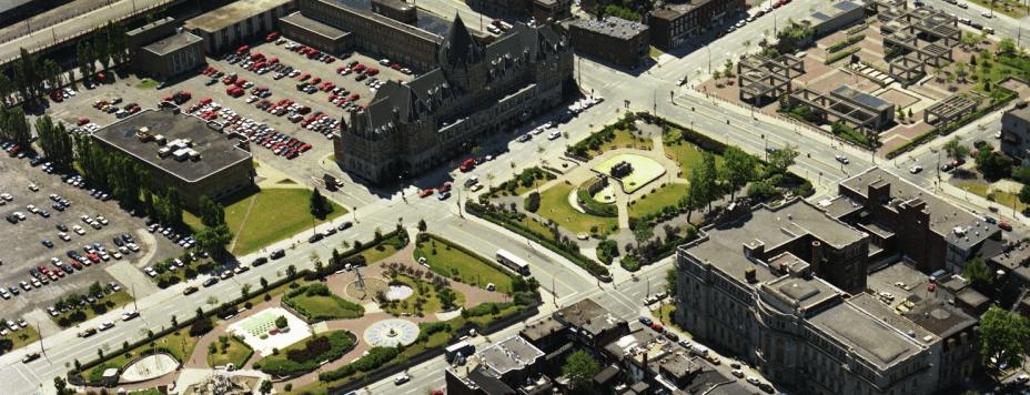 Les aménagements du square Viger, 1989. Réjean Martel, Archives de Montréal, VM94-B273-058.