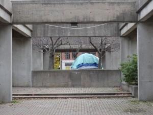 Tente de sans abri au square Viger. Bernard Vallée, 2014.