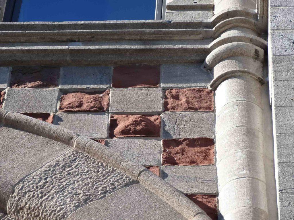Détails de la façade de l'édifice Robillard en 2013, (Photo : Bernard Vallée)